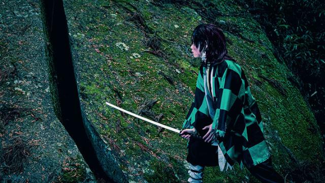 『鬼滅の刃』炭治郎が岩を切るシーンを再現可能!コスプレを応援する奈良市・柳生地区がレイヤーに話題