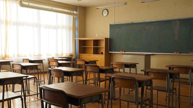 学校でコスプレ撮影&宿泊もできる施設「OKUTAMA+」が話題!教室でお酒を飲んだりテレワークなども可能