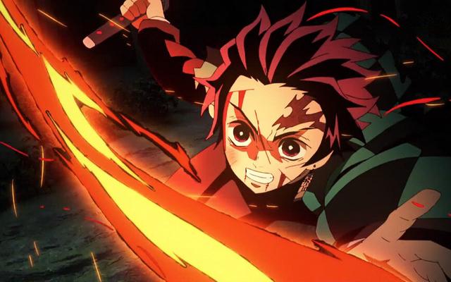 『鬼滅の刃』炭治郎の日輪刀を再現した猛者が現る!炎を纏った刀がカッコ良すぎると話題!