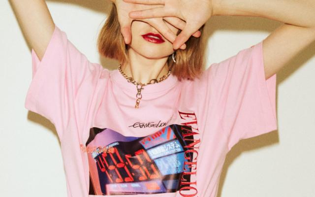 『エヴァ』×「jouetie」コラボロゴTシャツ発売決定!あのシーンが5色展開のオシャレなTシャツに