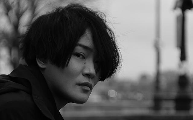 声優 x 世界旅行のシリーズ本「One Day Trip」に細谷佳正さんが登場!芸術の都・パリで取材&撮影を敢行