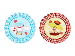 「Sweets Puro」ロゼット缶バッジ(シナモロール、ポムポムプリン)各660円