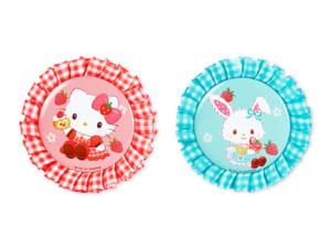 「Sweets Puro」ロゼット缶バッジ(ハローキティ、ウィッシュミーメル)各660円