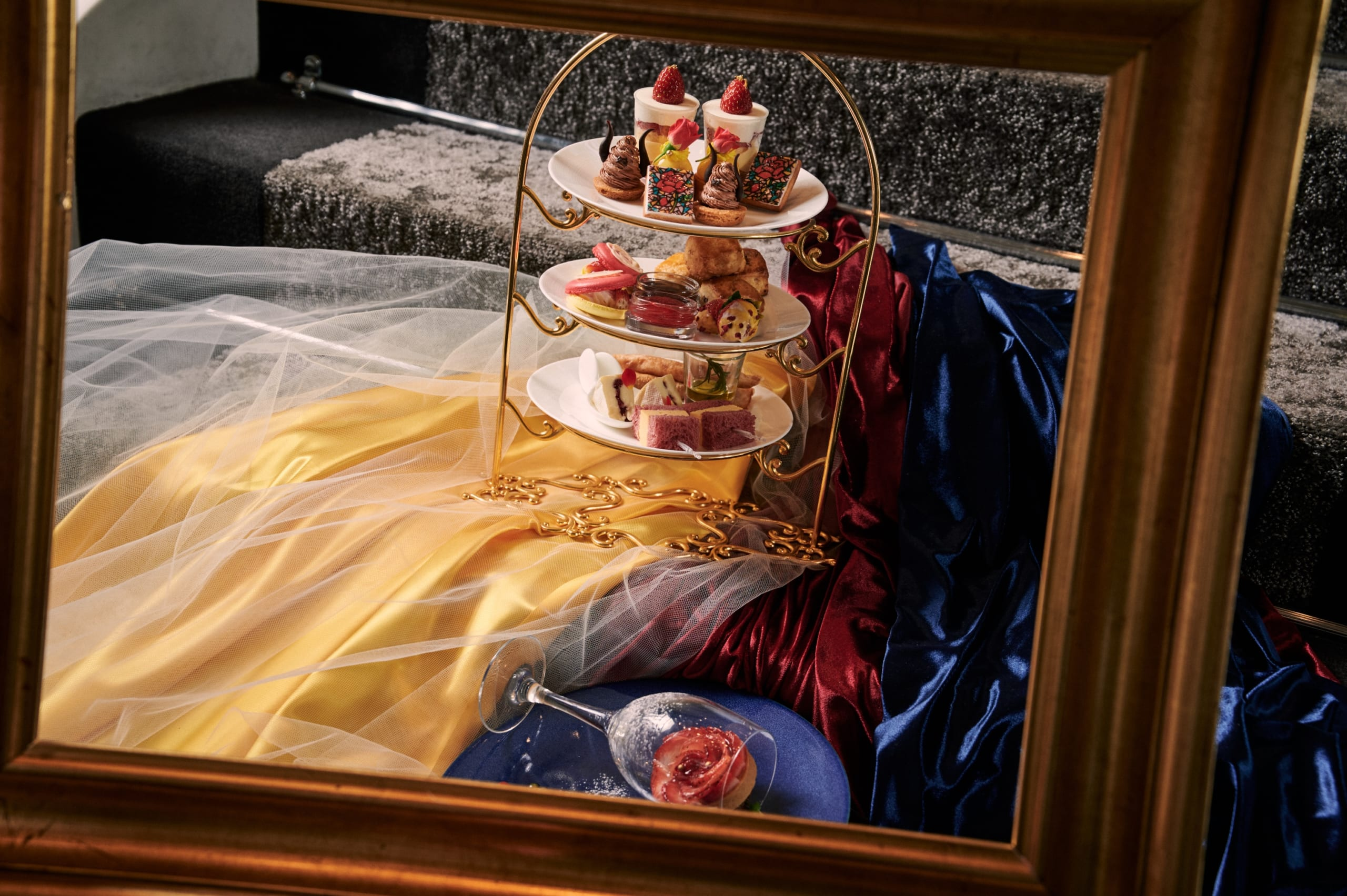 「美女と野獣」をテーマにしたアフタヌーンティーが開催決定!プリンセス・ベルやキーアイテム・バラをイメージしたスイーツなど