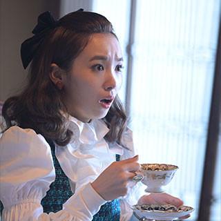 泉京香役:飯豊まりえさん