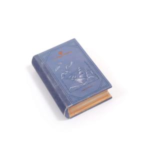 「約束のネバーランド」×「3COINS」BOOK型小物入れ