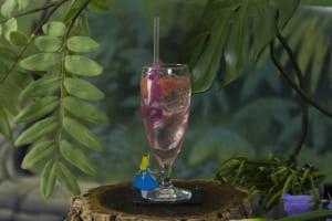 <フラミンゴとハリネズミ>ゲーム開始!ピンクグレープフルーツソーダ 790円/アクリルコースター付き+900円