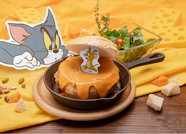 「トムとジェリー」チーズがテーマのコラボカフェ開催決定!キャラをイメージしたメニュー&限定グッズが登場