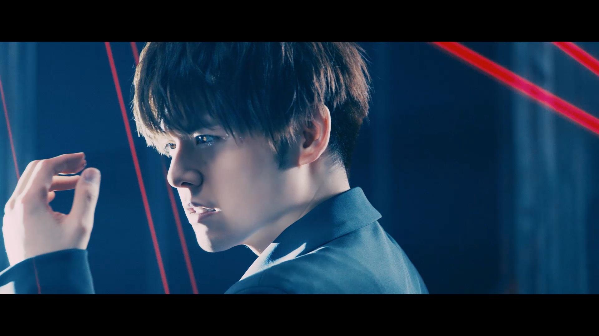 内田雄馬さん最新シングル「Comin' Back」MUSIC VIDEO 解禁! レーザー駆使したスタイリッシュな仕上がりに