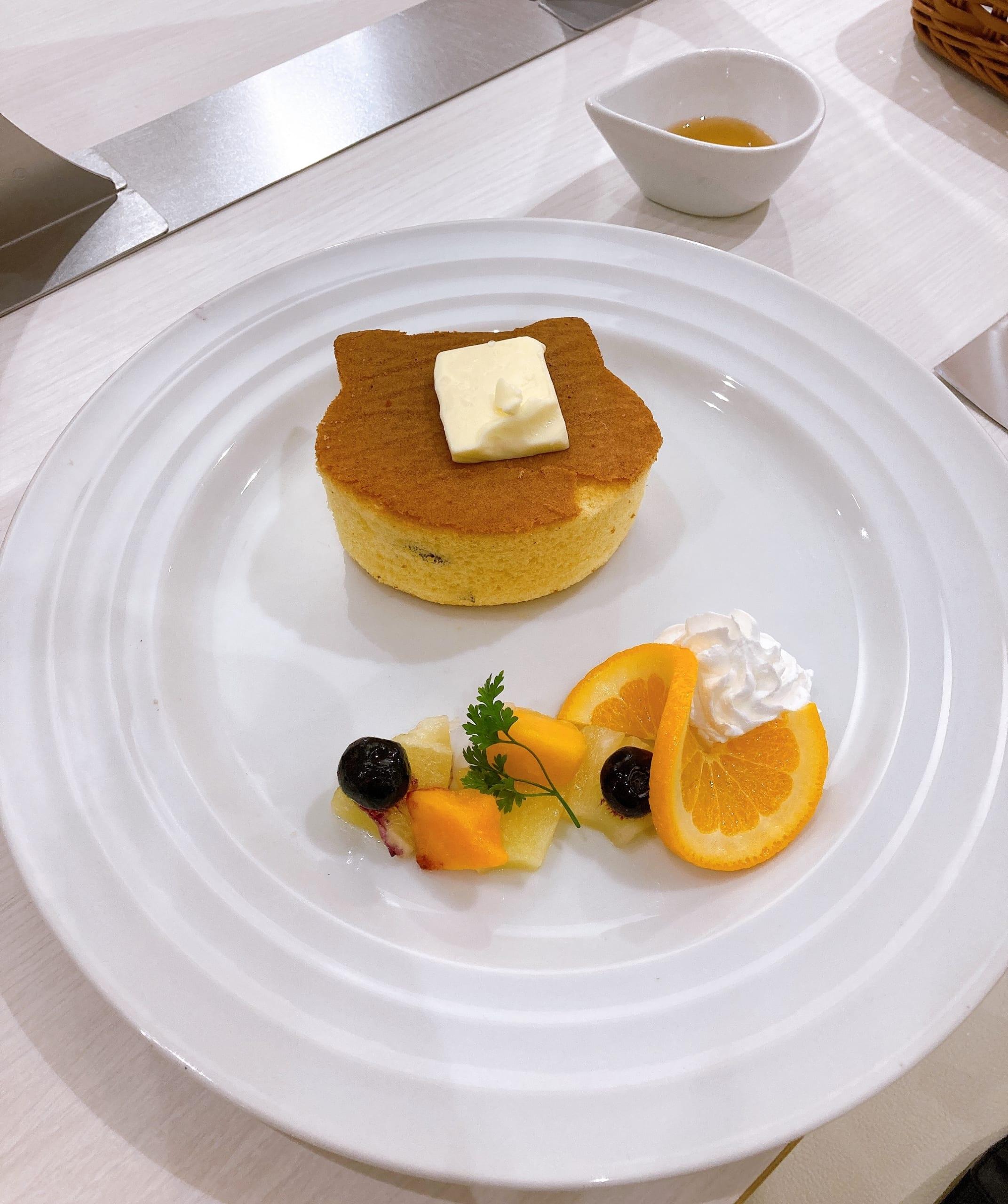 「フルーツバスケットCAFE」夾の猫パンケーキ