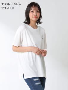 サンリオキャラTシャツ(ポチャッコ)モデル着用 オフ×クロ
