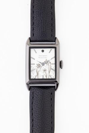 「文豪ストレイドッグス」×「EMooooN」ブレスレット付き腕時計 芥川龍之介モデル 盤面アップ