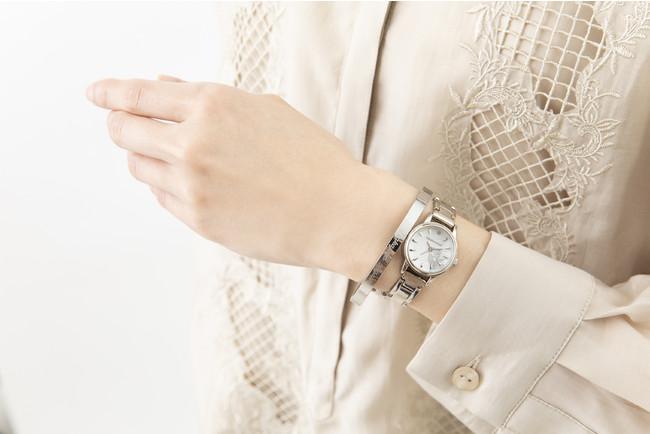 「文豪ストレイドッグス」×「EMooooN」ブレスレット付き腕時計 中島敦モデル 着用イメージ