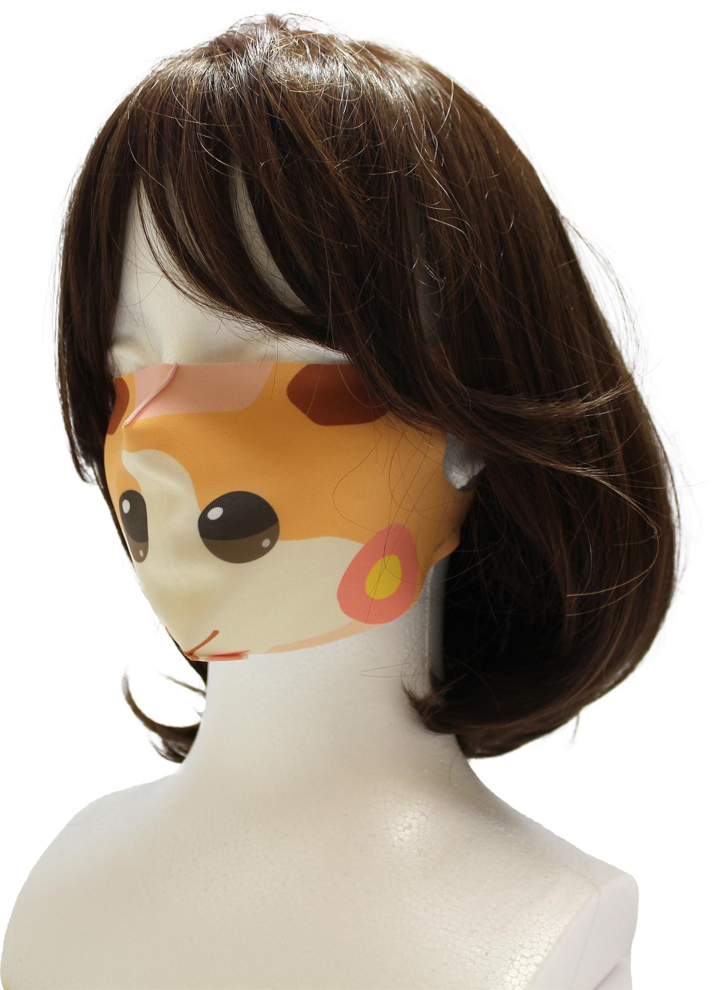 「モルカー」冷感マスク付けてる姿がインパクト大!?顔が2つの衝撃的な姿