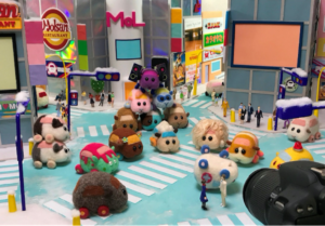 「PUI PUI モルカーTOWN」本物のモルカーを世界初展示