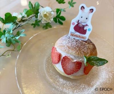 Enoteca D'oro Premio(エノテカ ドォーロ プレミオ)ショコラウサギの女の子の苺マリトッツオ