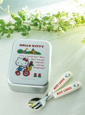 「HELLO KITTY なつかしのアイテムコレクション」付属予定アイテム:アルミのお弁当箱
