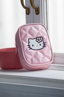 「HELLO KITTY なつかしのアイテムコレクション」付属予定アイテム:ピンクキルトポーチ
