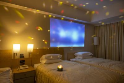 「東京ドームが見えるお部屋で!推し活宿泊プラン」ミラーボール使用イメージ