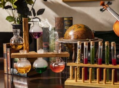「魔法使いの学校」スイーツ&ランチビュッフェ 「魔法の実験室」をイメージしたデコレーション&スイーツ