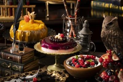 「魔法使いの学校」スイーツ&ランチビュッフェ 『マーブル学園のバースデーケーキ』、『ラズベリー・ウィザード』&『魔法の壺』