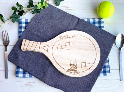 カプコンカフェ×映画「リョーマ! The Prince of Tennis 新生劇場版テニスの王子様」 「テニスラケット」型のカッティングボード
