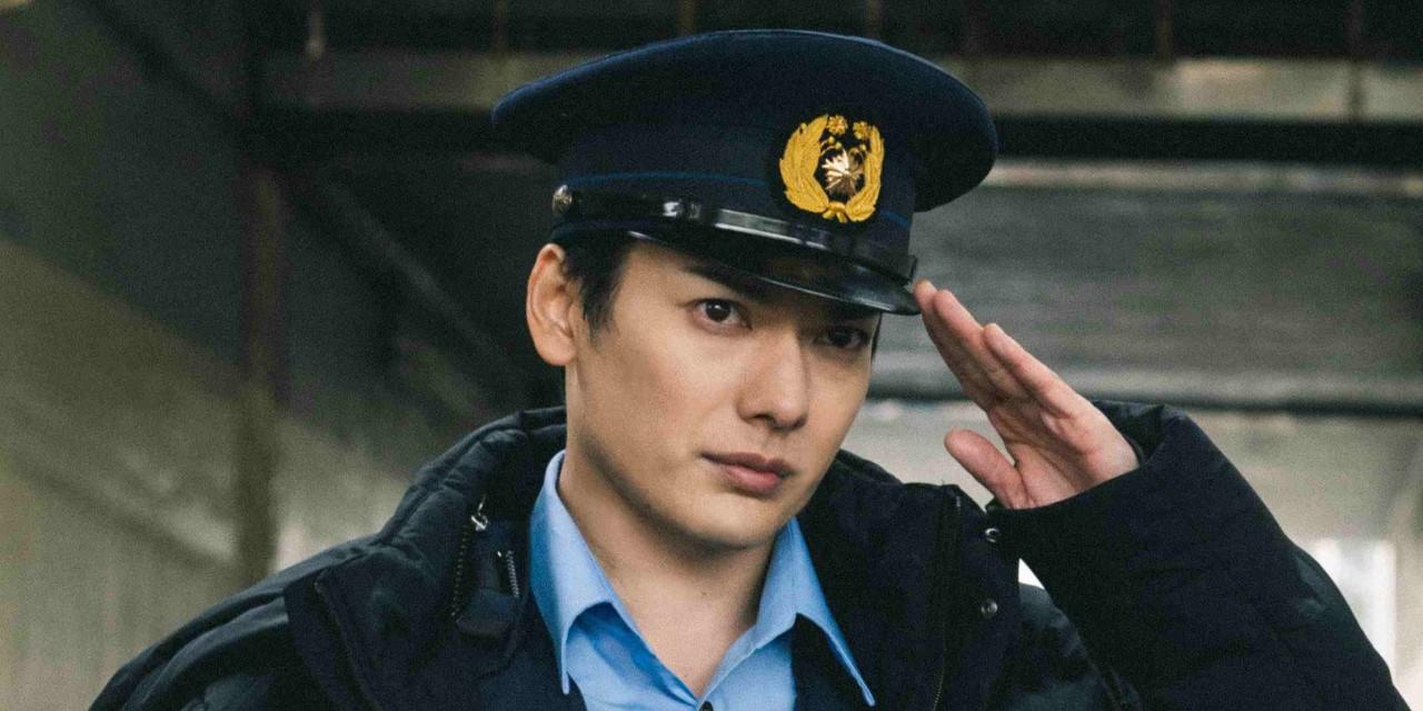 映画「クロガラス0」メイキング&オフショ解禁!崎山つばささんの警官姿が眩しすぎて職質されたい…