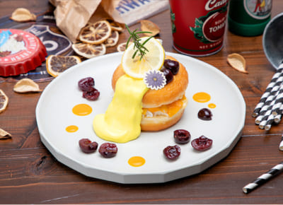 「TIGER & BUNNY Cafe PLAYBACK!!」 【ドランゴンキッド】 マンゴーホイップドーナツサンド