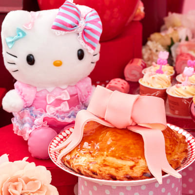 スイーツブッフェ ~ハローキティ&ウィッシュミーメルのふわふわリボンパーティ~ 大好きなママのアップルパイ