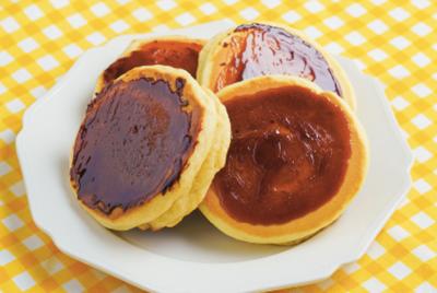 「森永ホットケーキミックス」×「シルバニアファミリー」コラボ決定! レシピ動画「プリンでつくる!ブリュレ風ホットケーキ」
