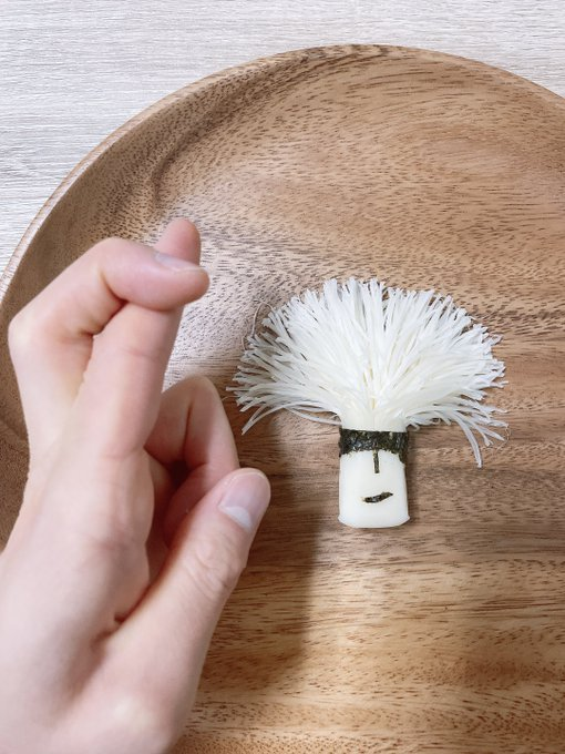 """さけるチーズで表現された五条悟""""さける五条""""が話題に!作者へのインタビューも掲載"""