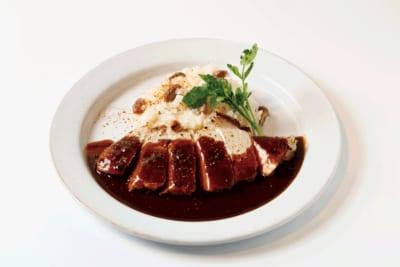 Pâtisserie & Café DEL'IMMO(B1) ポークソテーとチーズリゾットのワンディッシュ