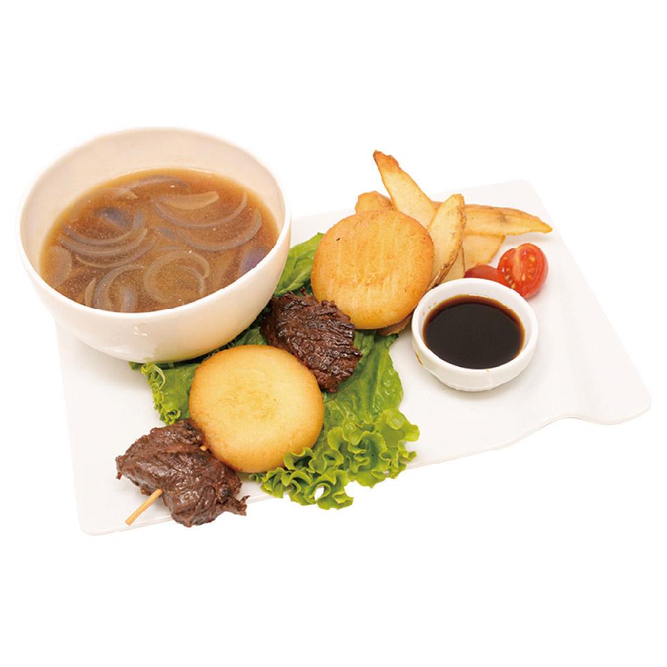 肉餅団子と餅のスープ