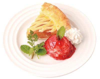 「15th Anniversary 赤髪の白雪姫コラボレーションカフェ」白雪の林檎パイ