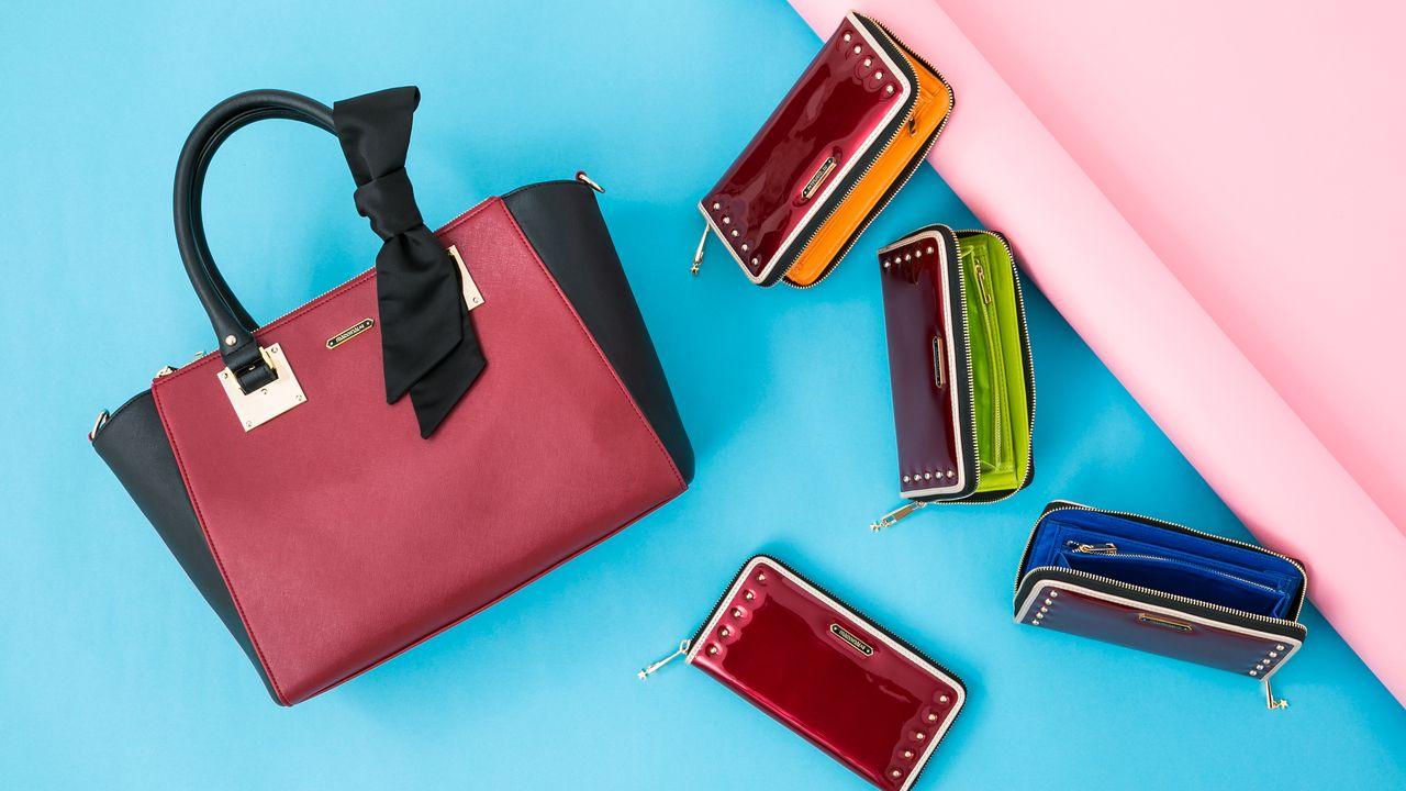 『MARGINAL#4』より「100万回の愛革命!」の衣装をモチーフにしたバッグとウォレットが登場!