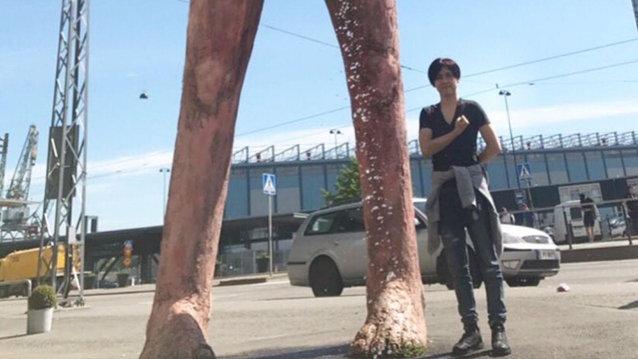 梶裕貴さんがお花を摘んでいる巨人にとりあえず心臓を捧げる!?本日放送の『進撃の巨人』最終回では魂を込めた自由演技シーンも!