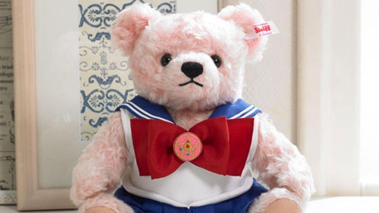 『美少女戦士セーラームーン』とテディベアブランド「シュタイフ」がコラボ!戦士服を着たテディベアのお値段4万3千円!