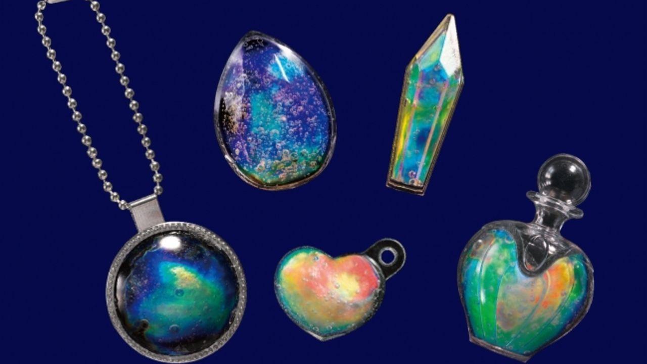子供心をくすぐられる!温度で色が変わる魔法の宝石「オーロラジュエリー」を手作りしよう!