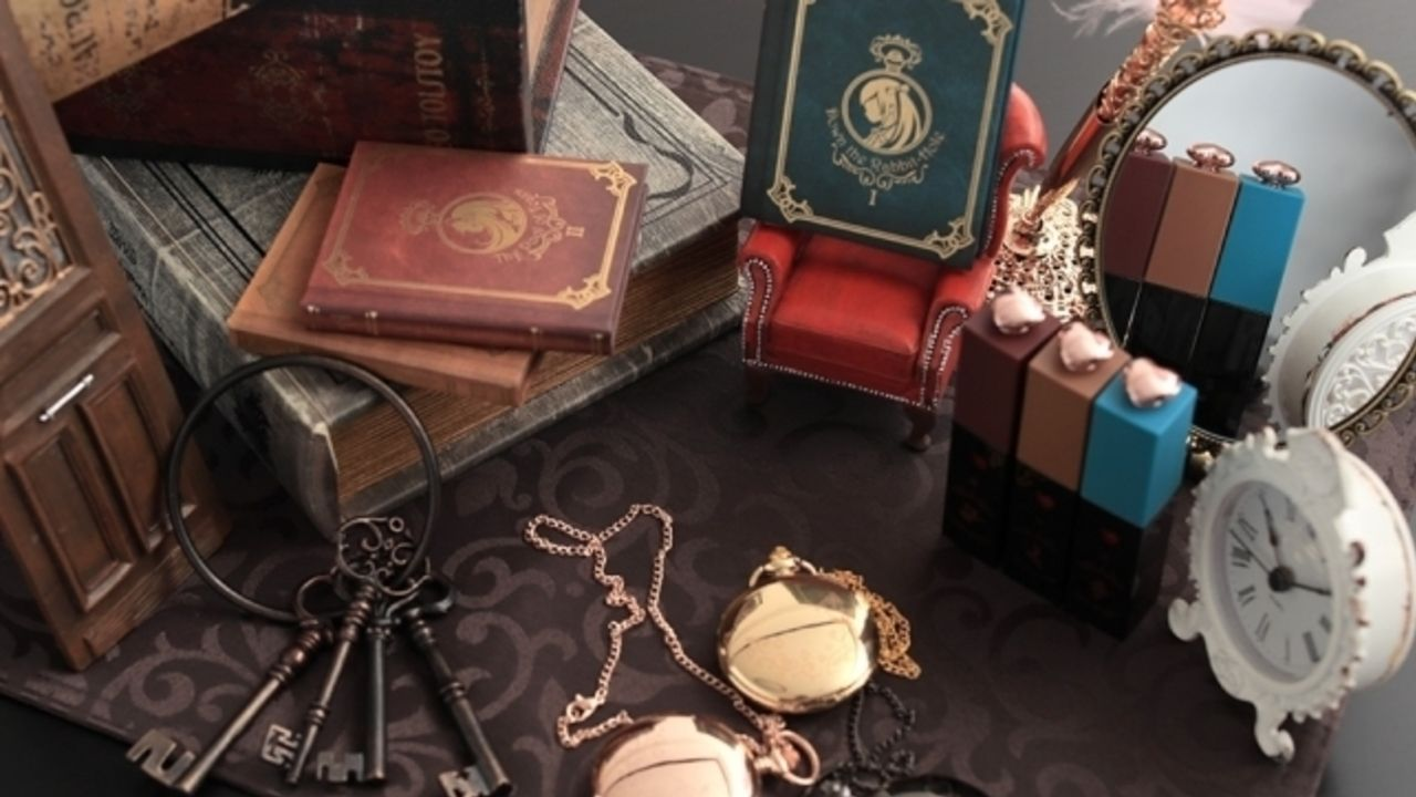 魔法のようなコスメ『初音ミク』x『童話』ブック型アイシャドウ、懐中時計型チーク、小瓶リップグロスが誕生!