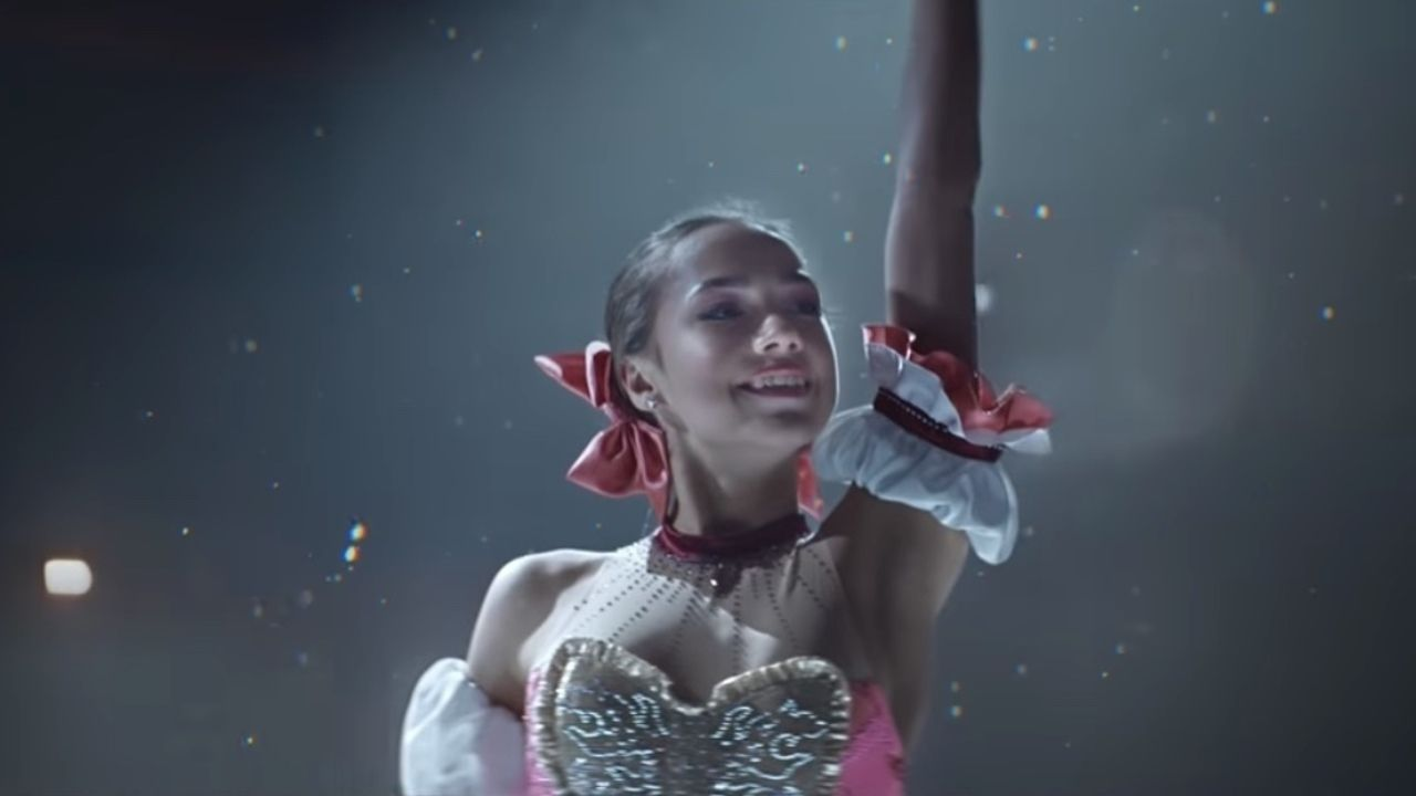 女子フィギュア金メダリスト・ザギトワ選手が『まどマギ』まどかの衣装で華麗な演技を披露する映像が公開!
