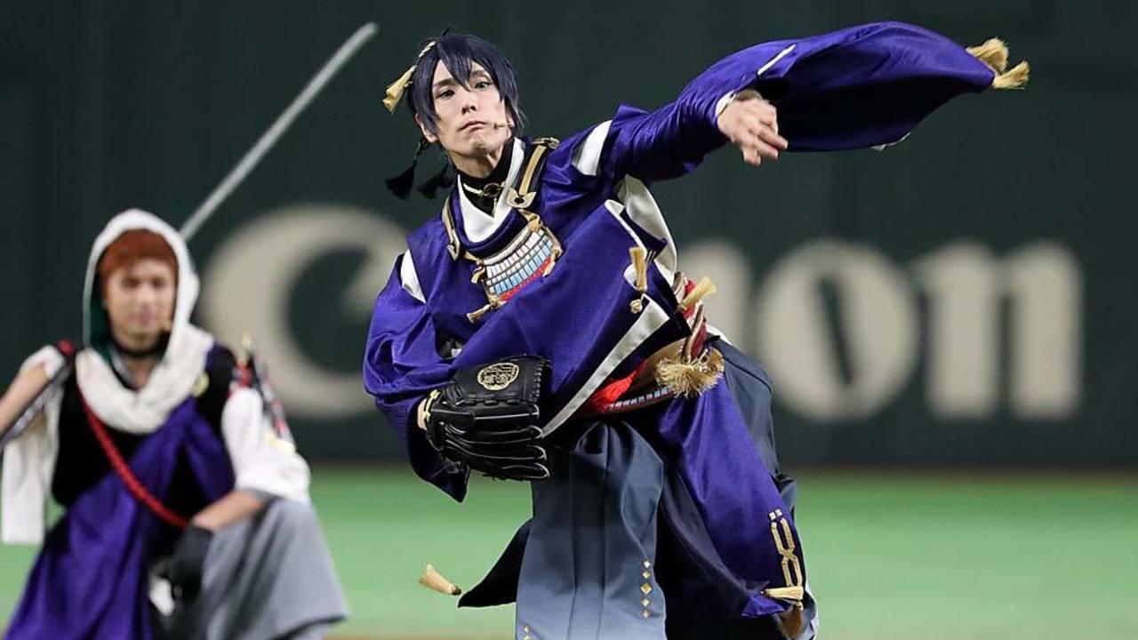 『刀ミュ』x「読売ジャイアンツ」三日月宗近のノーバン投球に刀剣男士たちも大喜び!コラボナイターの動画&写真まとめ