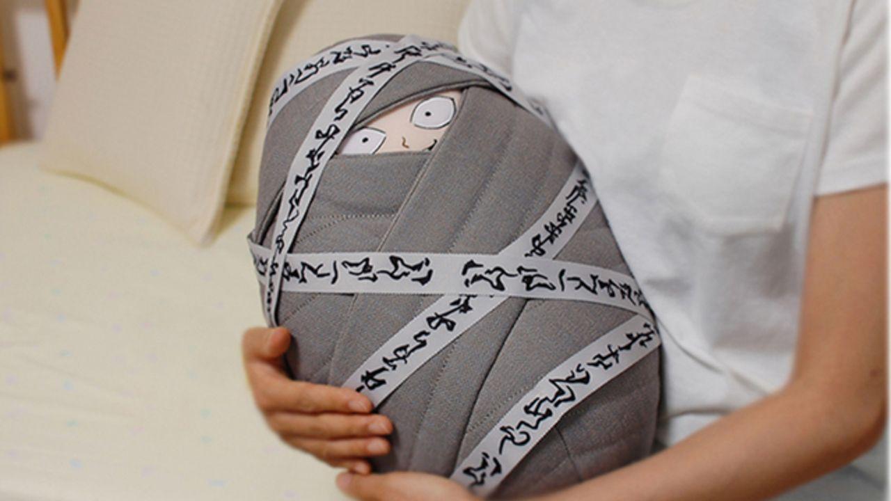 ほぼ等身大!『幽☆遊☆白書』赤ちゃん飛影のぬいぐるみが発売決定!投げ落とされた彼を迎えてあげませんか?