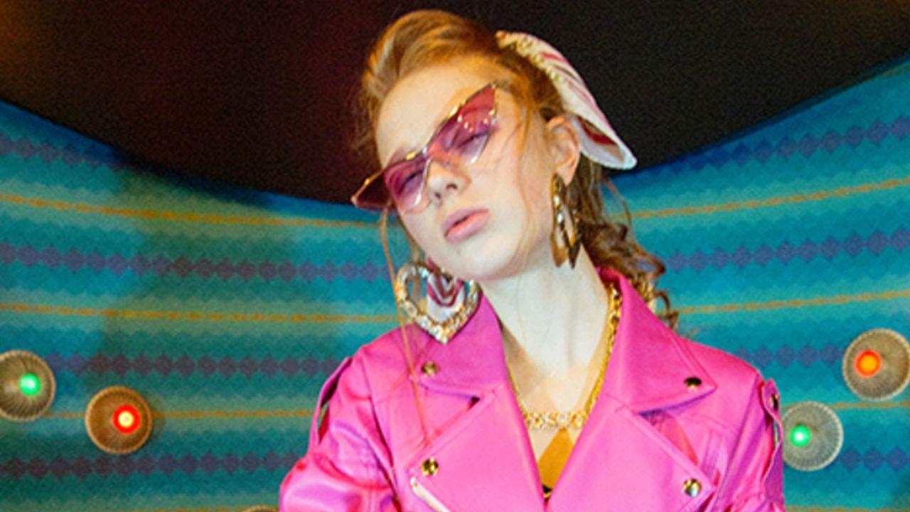 『進撃の巨人』と人気ブランド「one spo」がコラボ!「東京ガールズコレクション」のランウェイで豪華ゲストやモデルが着用