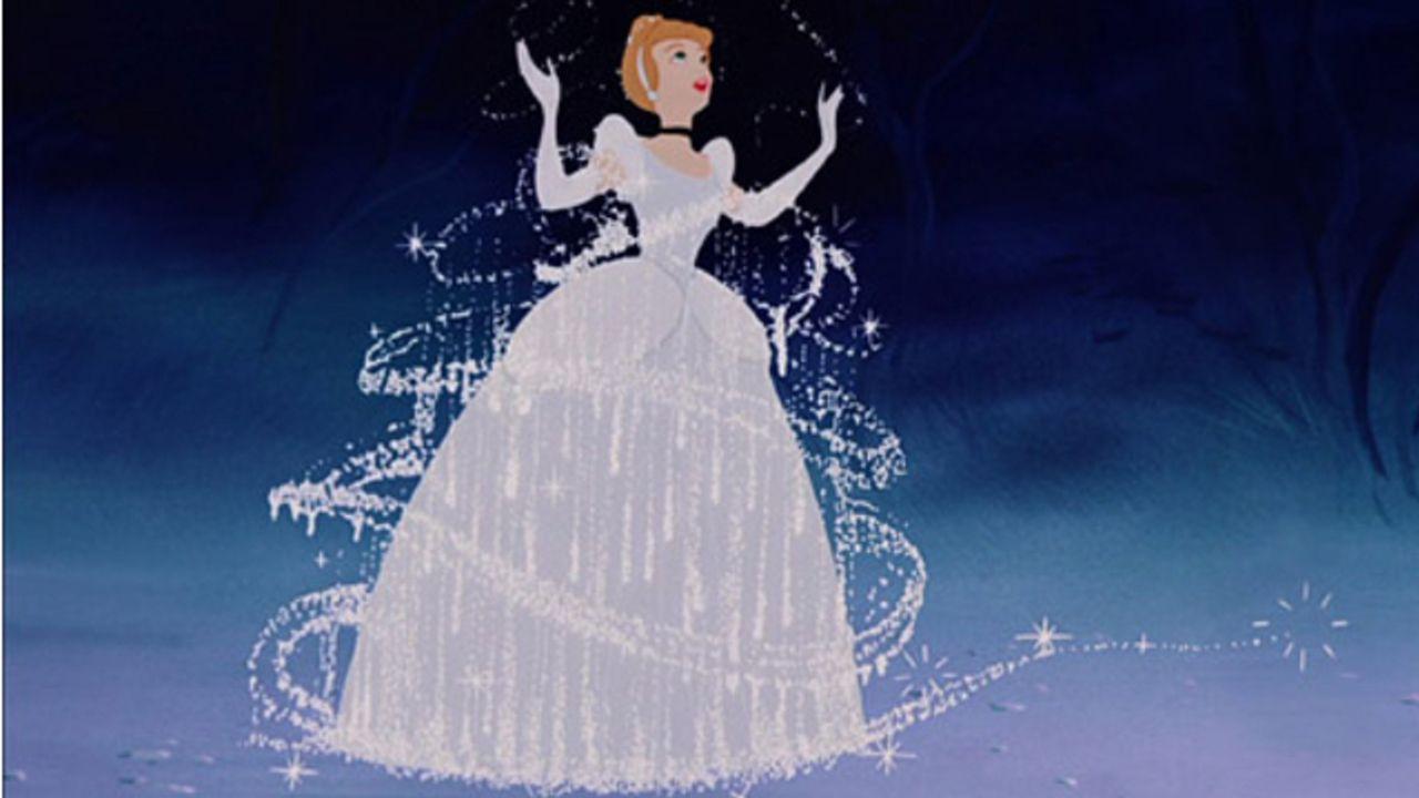 『シンデレラ』ドレスの動きが美しすぎる!70年前の変身シーンのメイキング映像が話題に