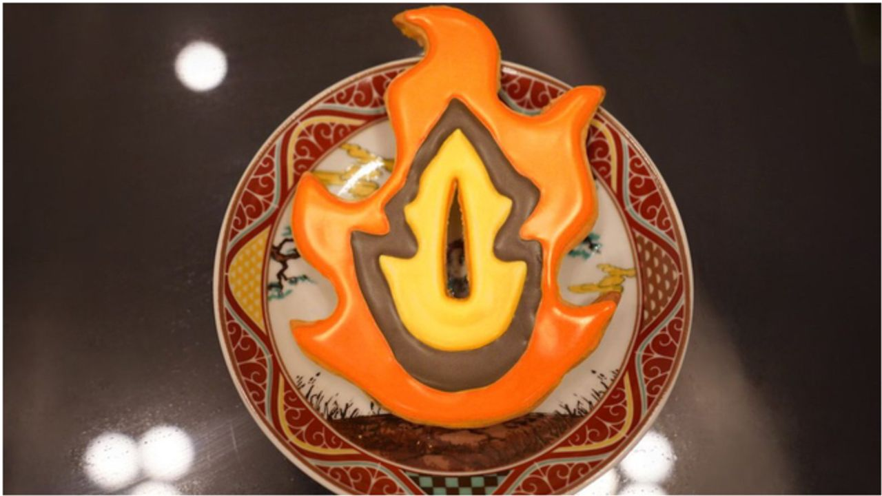 花江夏樹さんが『鬼滅の刃』炎柱・煉獄杏寿郎の鐔のクッキーを公開!奥さんのハイクオリティな手作りお菓子がTwitterで話題に