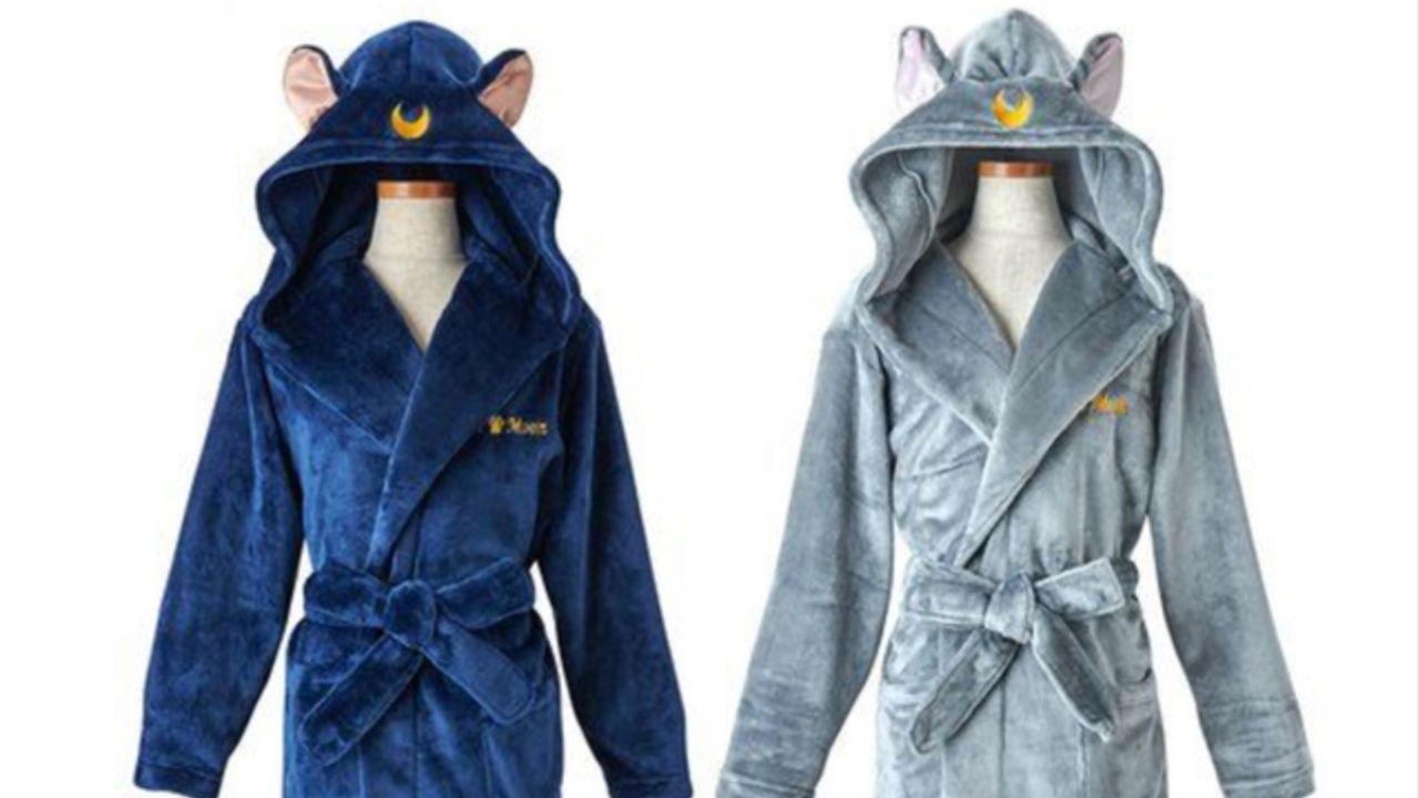 『セーラームーン』ルナ&ダイアナをイメージした「ふわもこバスローブ」が新発売!フードを被るとより可愛い&暖かい♪