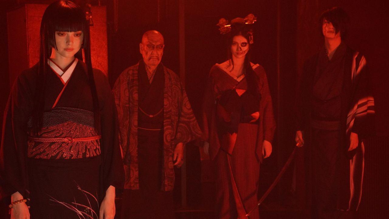 実写映画『地獄少女』閻魔あい&冷たい視線の三藁ら劇中カットが解禁!哀れな人間の姿を見る表情に注目